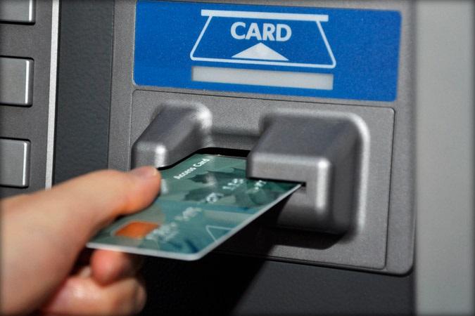 Жительница Бузулука передала третьему лицу карту и пин-код, тем самым лишившись денег