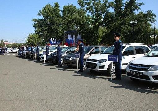 В Оренбурге 42 учителя получили ключи от новеньких автомобилей
