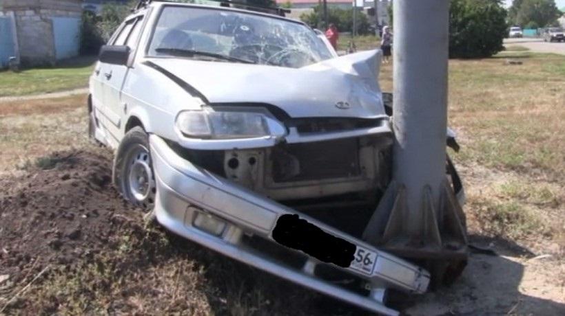 """В Саракташе """"ВАЗ-2114"""" сбил пешехода и врезался в столб"""