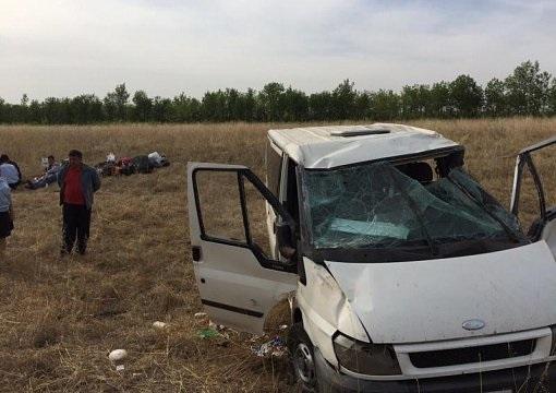 На трассе Самара-Оренбург перевернулся микроавтобус - 6 человек госпитализированы