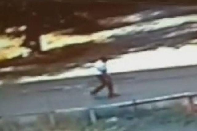 В Орске разыскивают педофила лжеэлектрика, напавшего на 11-летнюю девочку