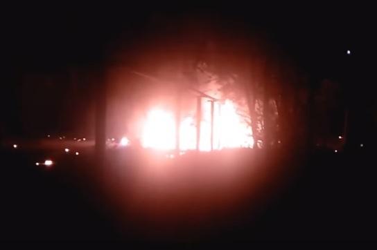 В поселке Первомайский после столкновения загорелся и взорвался автомобиль