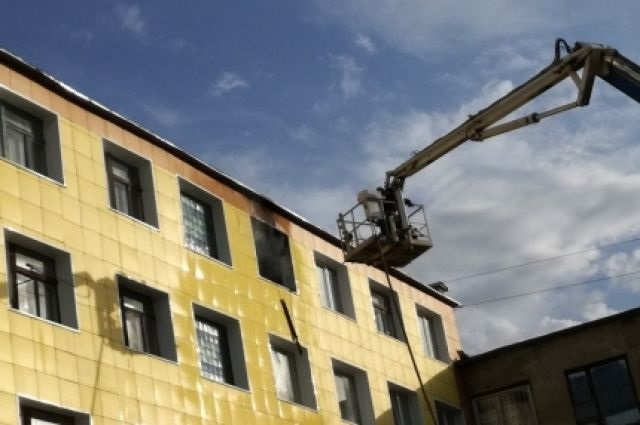 В Оренбурге на пожаре по ул. Юркина огнеборцы спасли двоих детей