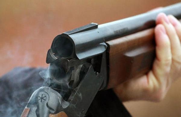 Хулиган, стрелявший из ружья по машине в Тюльганском районе, предстанет перед судом