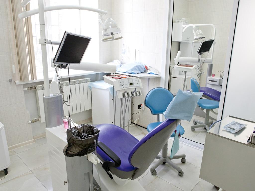 Стоматолог при удалении зуба сломал пациентке целюсть