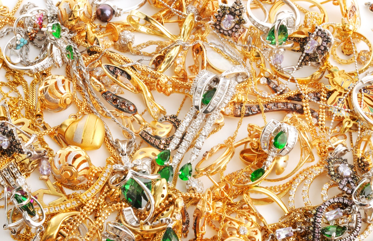 Двое оренбуржцев инсценировали ограбление при перевозке золота на 3 миллиона 700 тысяч рублей