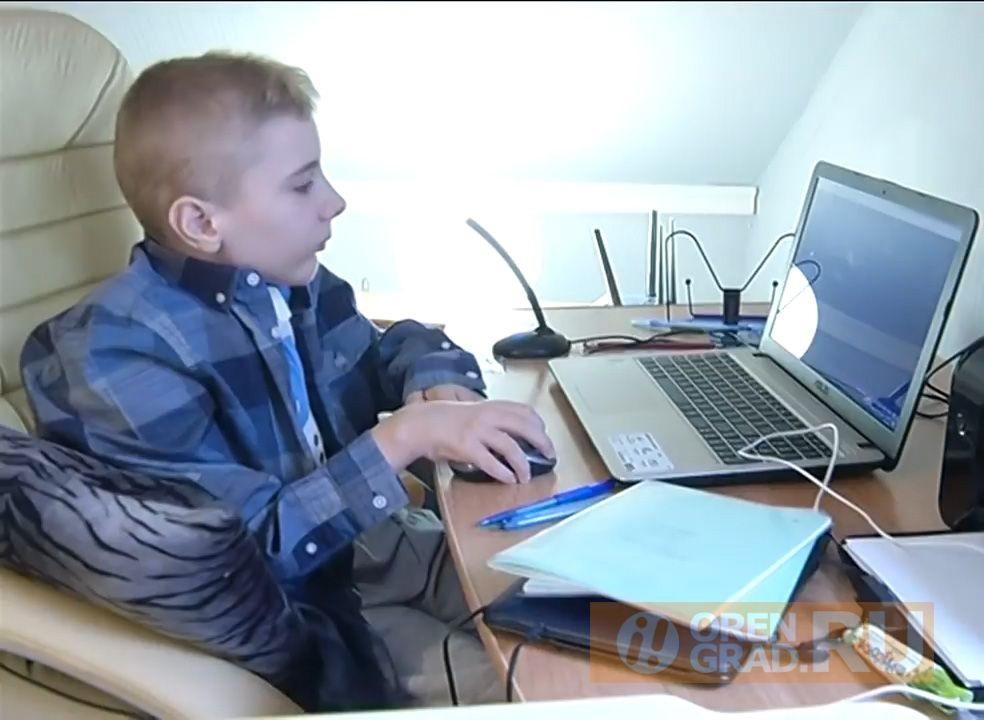 Двум оренбургским детям помогут в борьбе с редкими заболеваниями